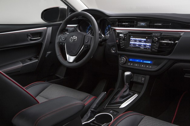 Report: Toyota turns down the integration of Apple CarPlay and Android Auto