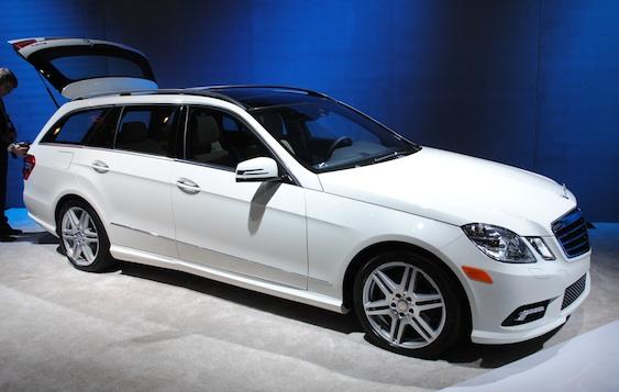 2010 New York 2011 Mercedes Benz E 350 4matic Wagon Gets Third Row Egmcartech