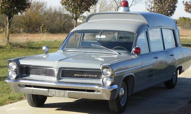 1963 Pontiac Bonneville Ambulance