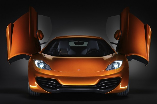 Video: 2012 McLaren MP4-12C vs McLaren F1