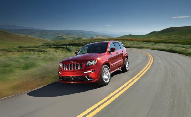 Recalls: Chrysler recalls 895,000 Durango and Grand Cherokee models over headliner fires