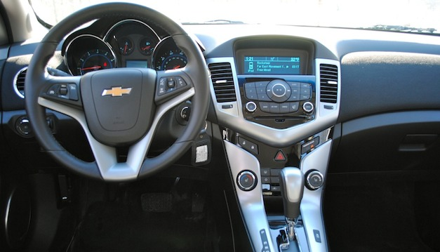 Review 2011 Chevrolet Cruze
