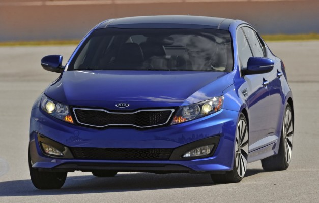 2012kiaoptima 03 627x400 Kia and Hyundai recall nearly 1.6 million models over fault brake lamp