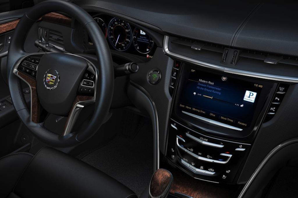 2013 Cadillac XTS CUE