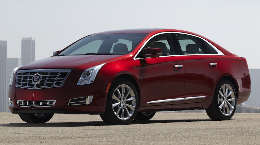 2013 Cadillac XTS Red Front 7/8 Angle View