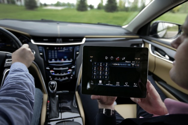 Cadillac XTS CUE iPad App