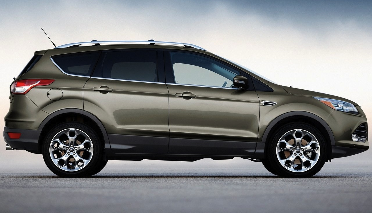 2013 Ford Escape Side View