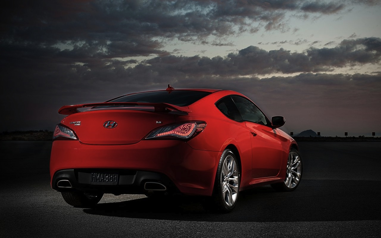 2013 hyundai genesis coupe rear 3 4 angle red. Black Bedroom Furniture Sets. Home Design Ideas