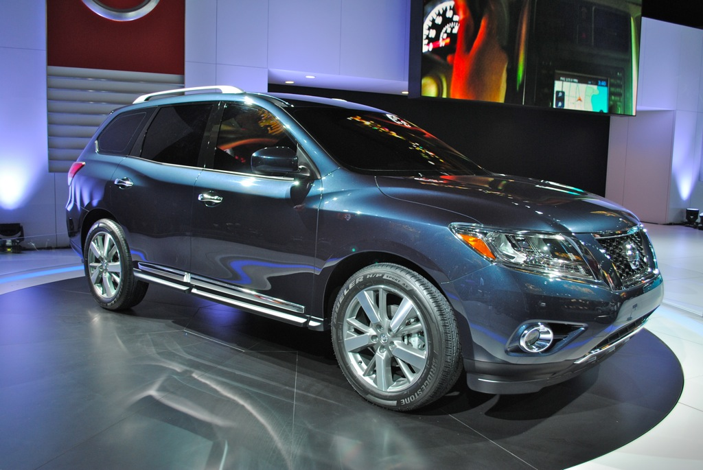 2012 Nissan Pathfinder Concept Detroit Front Three Quarter