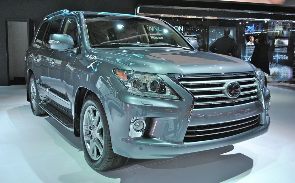2012 Detroit: Lexus LX 570