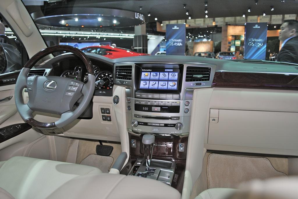 2012 Detroit: Lexus LX 570 Interior