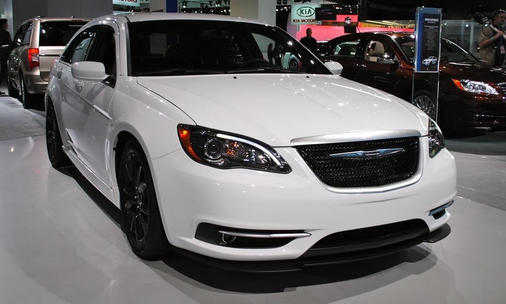 2012 Detroit: Chrysler 200 Super S