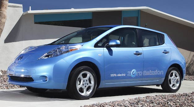 nissanleafblue Report: Nissan to offer a more affordable entry level LEAF