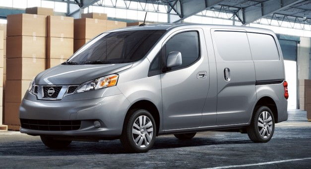 2012 Nissan NV200 Compact Cargo Van unveiled in Windy City