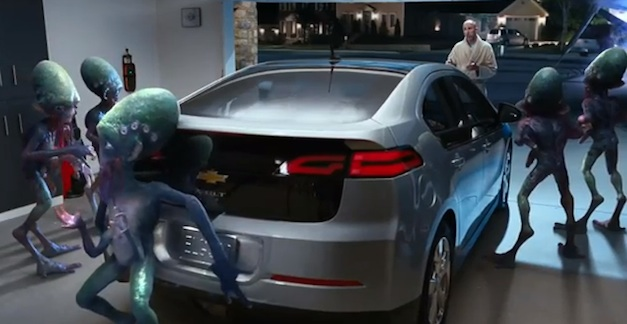 Chevrolet Volt Super Bowl XLVI ad features Aliens