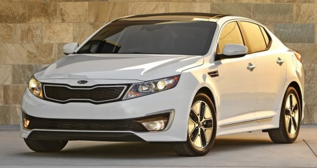 2013 Kia Optima Hybrid receives a minor powertrain tweak, slight dock in hp for a lot more torque