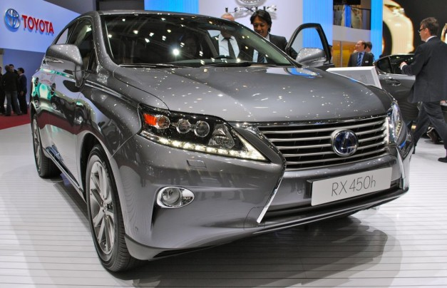 2012 Geneva: 2013 Lexus RX gets new hourglass grille