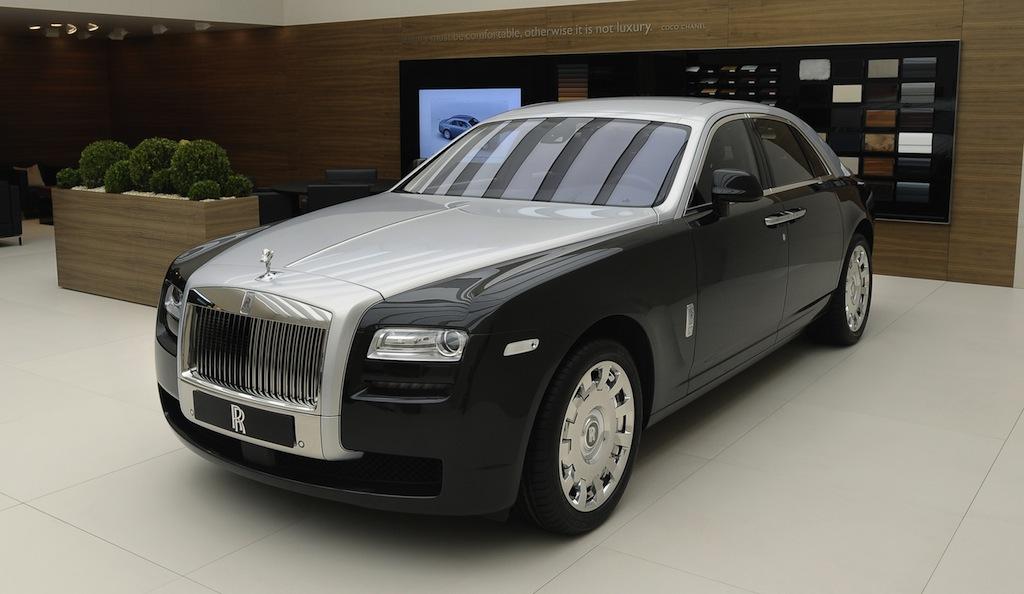 2012 Geneva: Two-tone Rolls-Royce Ghost bespoke