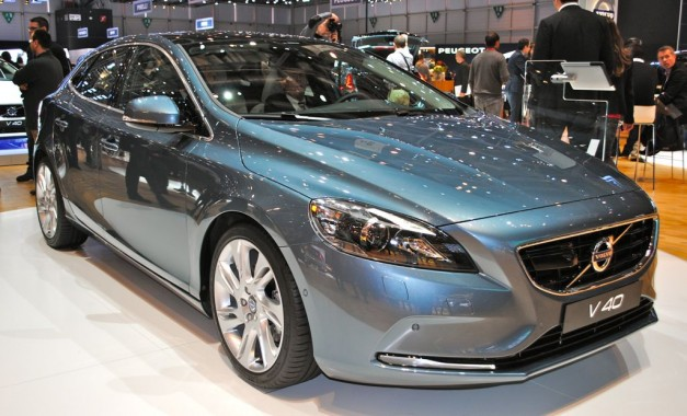 2012 Geneva: 2013 Volvo V40 is pure Scandinavian awesomeness