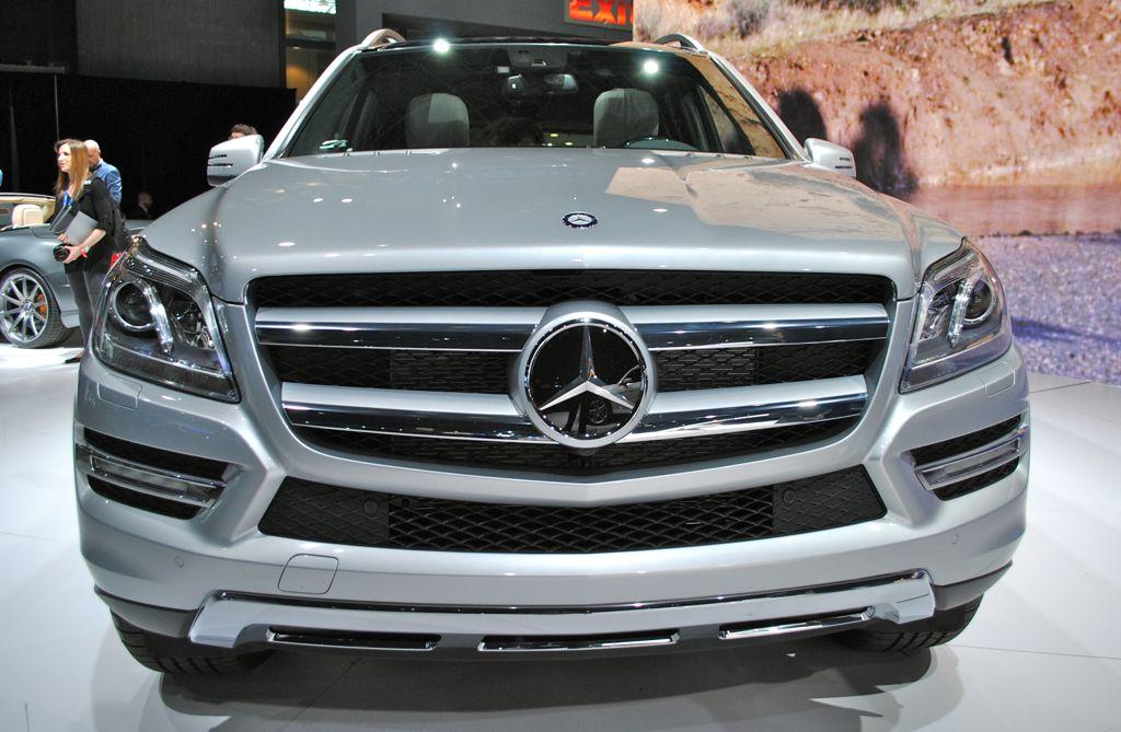 2012 new york 2013 mercedes benz gl class egmcartech for Mercedes benz gl series
