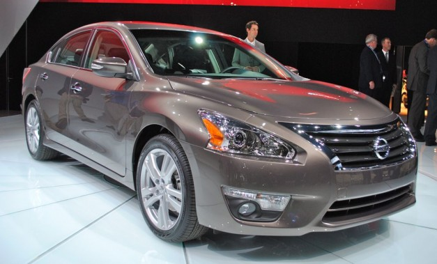 2012 New York: 2013 Nissan Altima