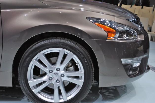 2012 New York: 2013 Nissan Altima