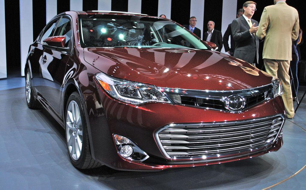 2012 New York: 2013 Toyota Avalon