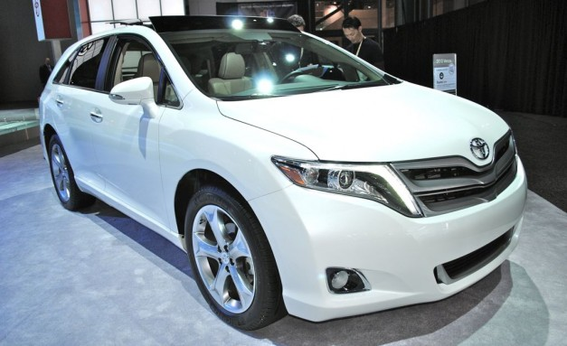 2012 New York: 2013 Toyota Venza gets a fresh new face