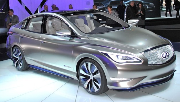 2012 New York: Infiniti LE Concept takes EVs upscale, hits markets in 2014