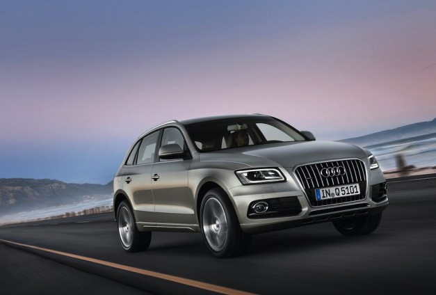 2013 Audi Q5 3/4 Front Right In Motion