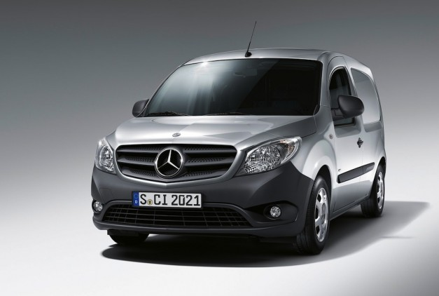 2013 Mercedes-Benz Citan Front 3/4 Left