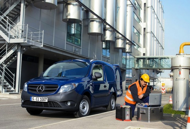 2013 Mercedes-Benz Citan Front 3/4 Left Utility