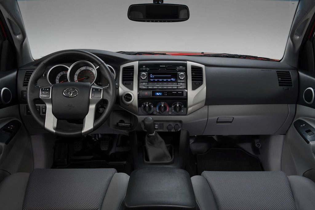 2013 Toyota Tacoma TRD Baja TX Dashboard