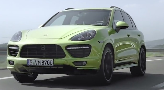 2013porschecayennegtsvideo Video: 2013 Porsche Cayenne GTS in Action