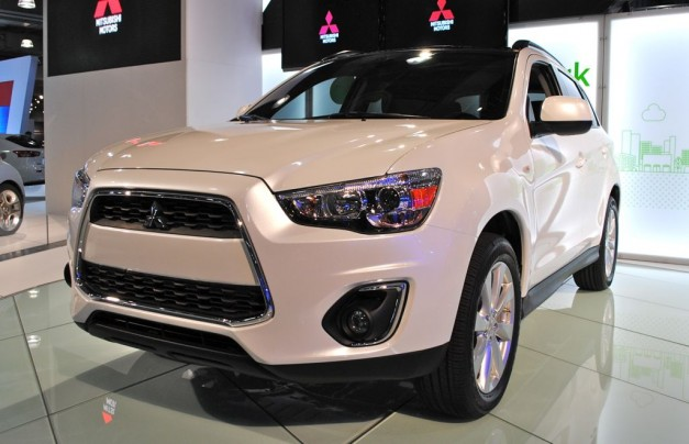 2012 New York: 2013 Mitsubishi Outlander Sport says gets a very subtle facelift