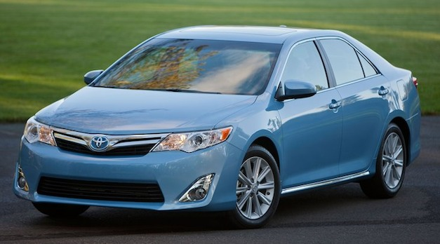 Report: Toyota Camry sales could break 400,000 mark in 2012