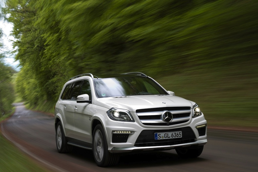 2013 Mercedes-Benz GL63 AMG Front 3/4 Right In Motion