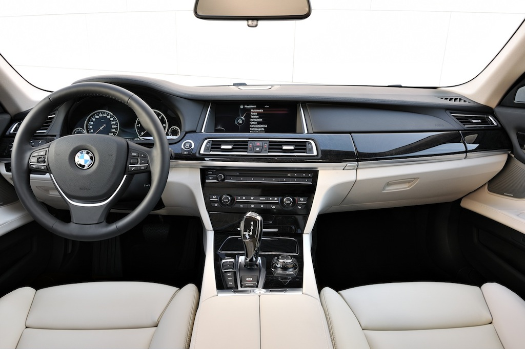 2013 BMW 750d XDRIVE Interior