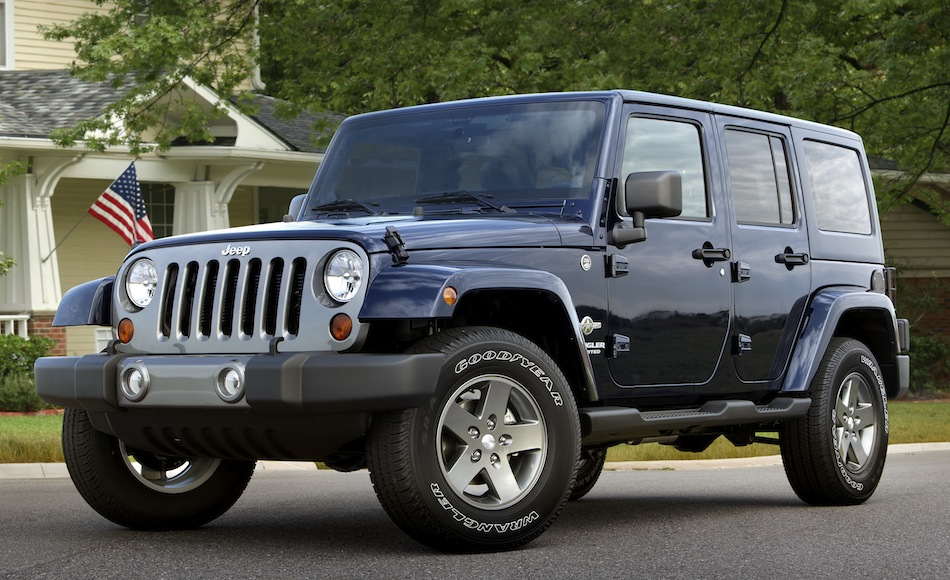 2012 Jeep Wrangler Unlimited Freedom Edition Front 7/8 View