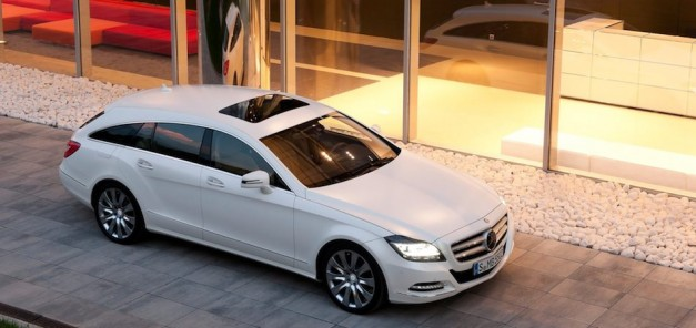 2013 Mercedes-Benz CLS Shooting Brake Front 7/8 Right In White High Angle