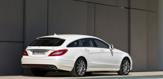 2013 Mercedes-Benz CLS Shooting Brake Rear 7/8 Right In White