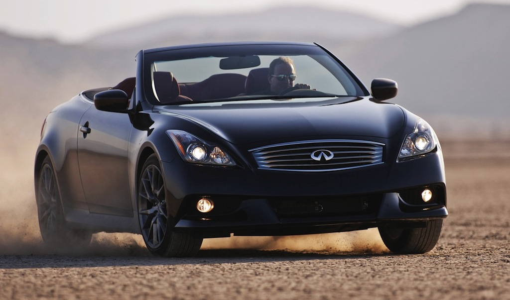 2013 Infiniti IPL G Convertible Front 3/4 Action View