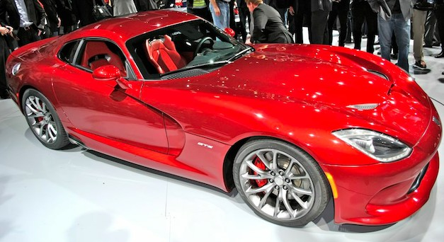 First 2013 SRT Viper auctioned off for $300,000