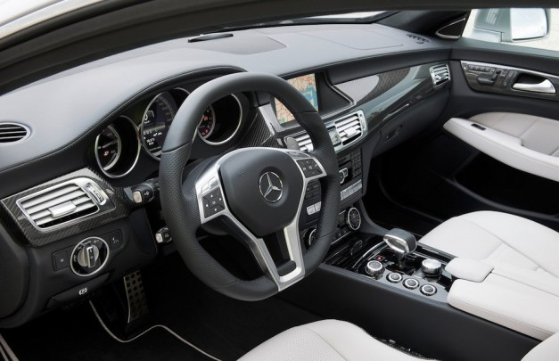 2013 Mercedes-Benz CLS63 AMG Shooting Brake Interior