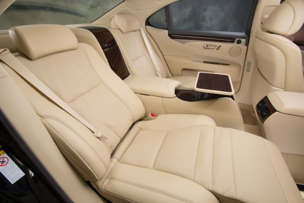 2013 Lexus LS 460 Rear Seats Reclined