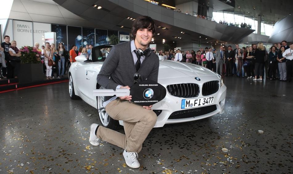 BMW 10 Millionth Welt Visitor