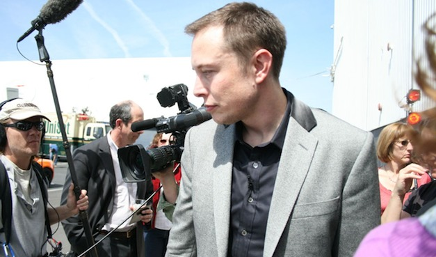 Report: Tesla CEO Elon Musk offered option for 5.27 million shares