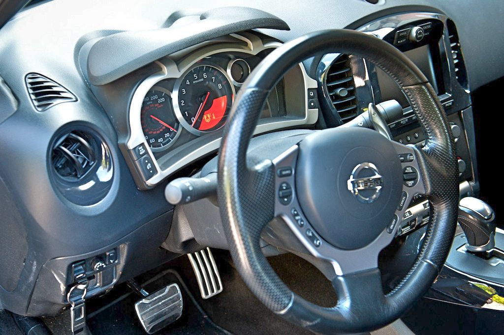 First Drive: Nissan Juke R Interior - egmCarTech