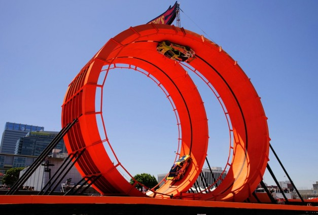 Video: Team Hot Wheels nails 60-foot-tall double vertical loop at X Games