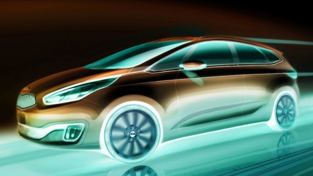 Kia Carens teased, will debut in September